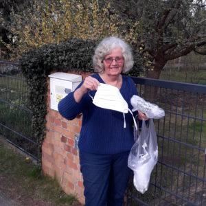 Gisela Görlich liefert Stoffmasken
